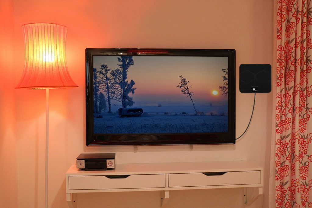 antenne tnt comparatif 2018 test et avis des meilleures antennes. Black Bedroom Furniture Sets. Home Design Ideas